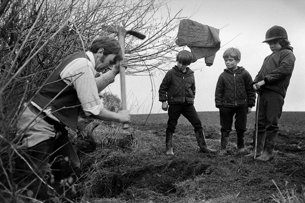 Stevenstone Hunt, Taddiport 1971 - by Roger Deakins for the Beaford Archive